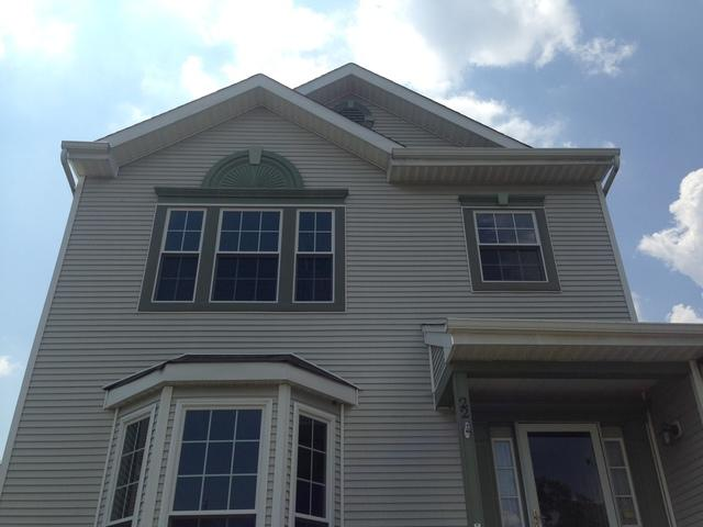 Replacing Builder's Grade Vinyl Windows with Broken Seals with New Marvin Infinity Windows in Burlington, NJ