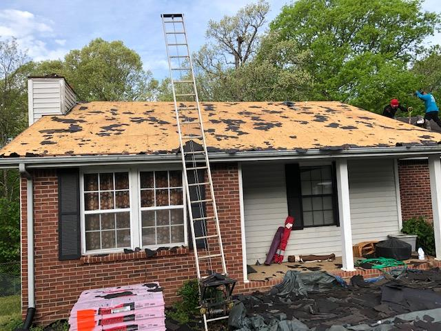 White House, Roof Replacement, Owens Corning Teak and gutters
