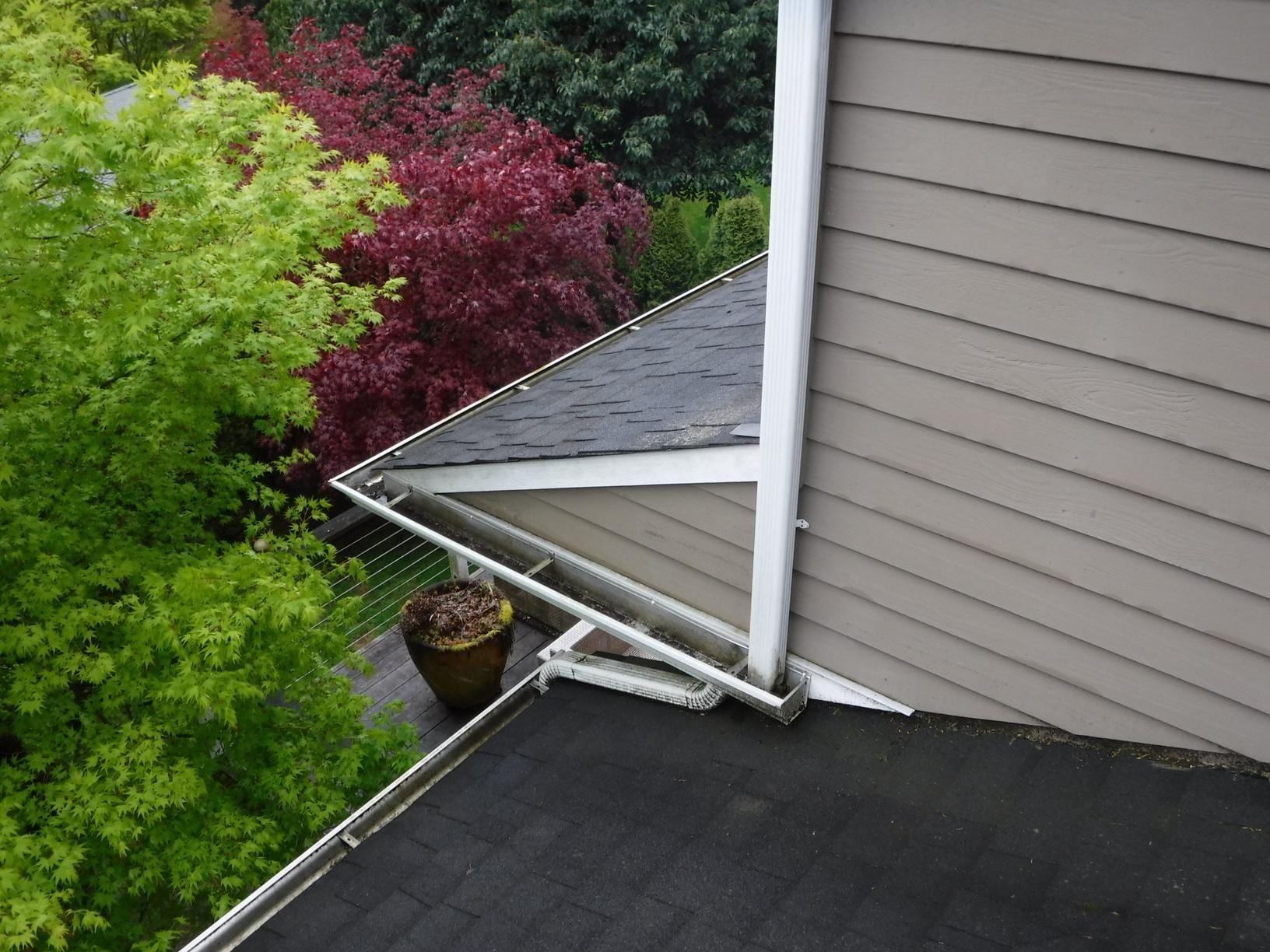 MasterShield Gutter Guard Installed in Seattle, WA - Before Photo