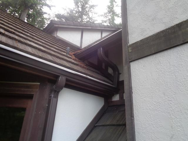 LeafGuard Gutter Guard System is replaced on a roof in Snoqualmie, WA