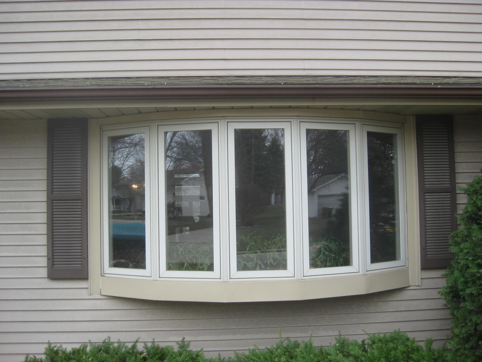 Bow Window Replacement in Albert Lea, MN - Before Photo