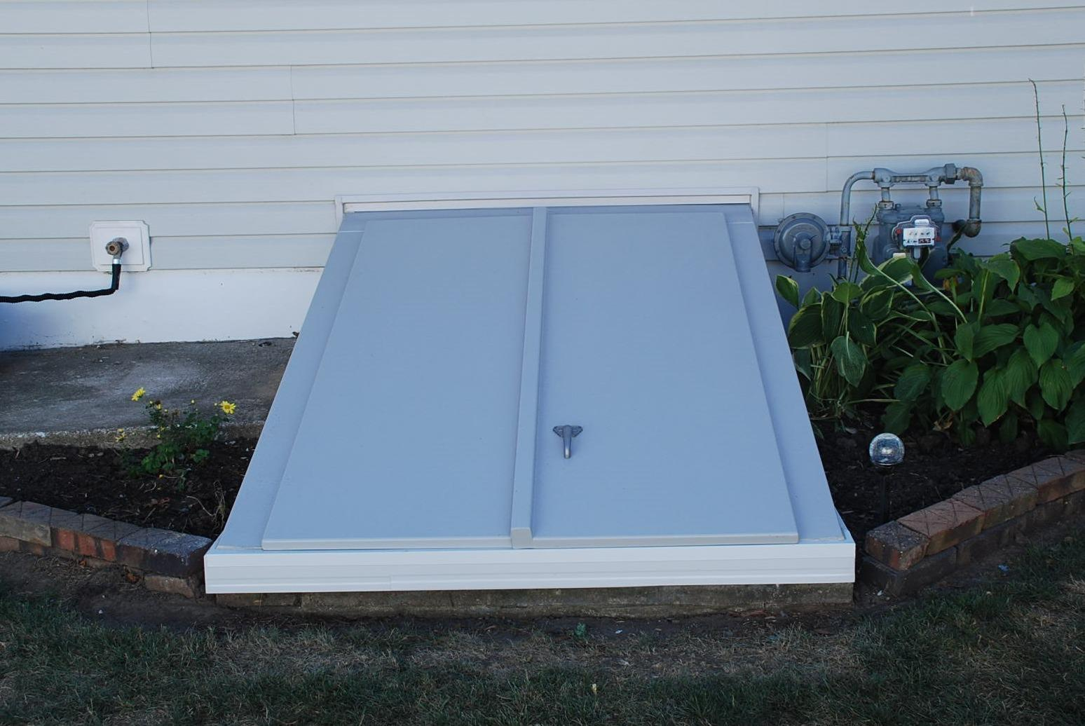Customer replaced their old Angle Cellar Door in Iowa! - After Photo