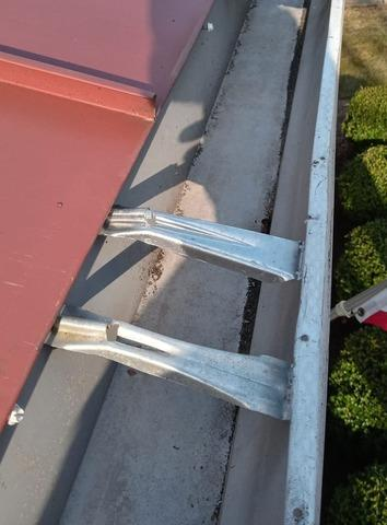 DC Row Home in Need For A Gutter Guard