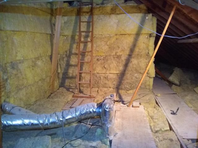 Knee Wall Insulation in Stilwell, Ks