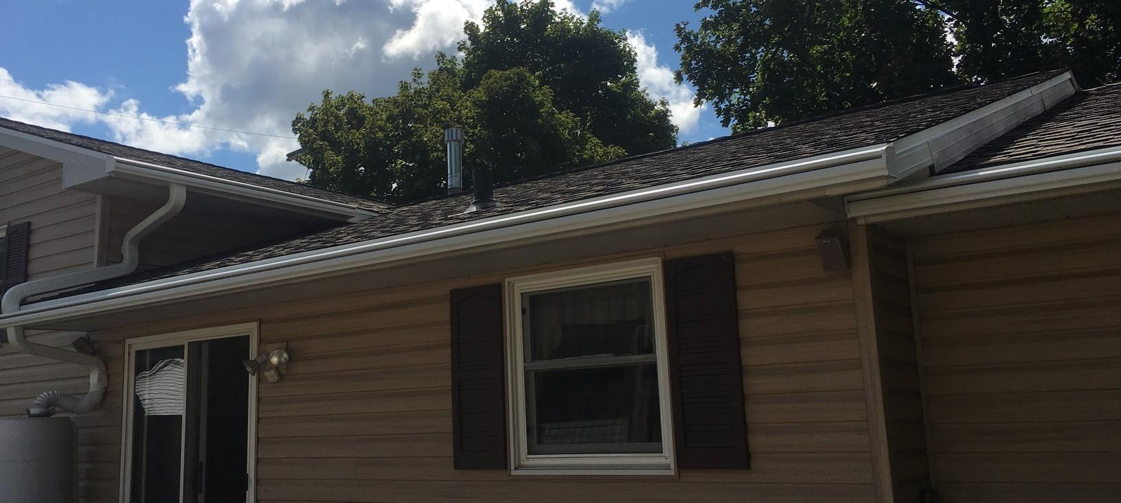 GAF Master Elite Asphalt Shingle Roof on Home in Kimberly, WI - Before Photo