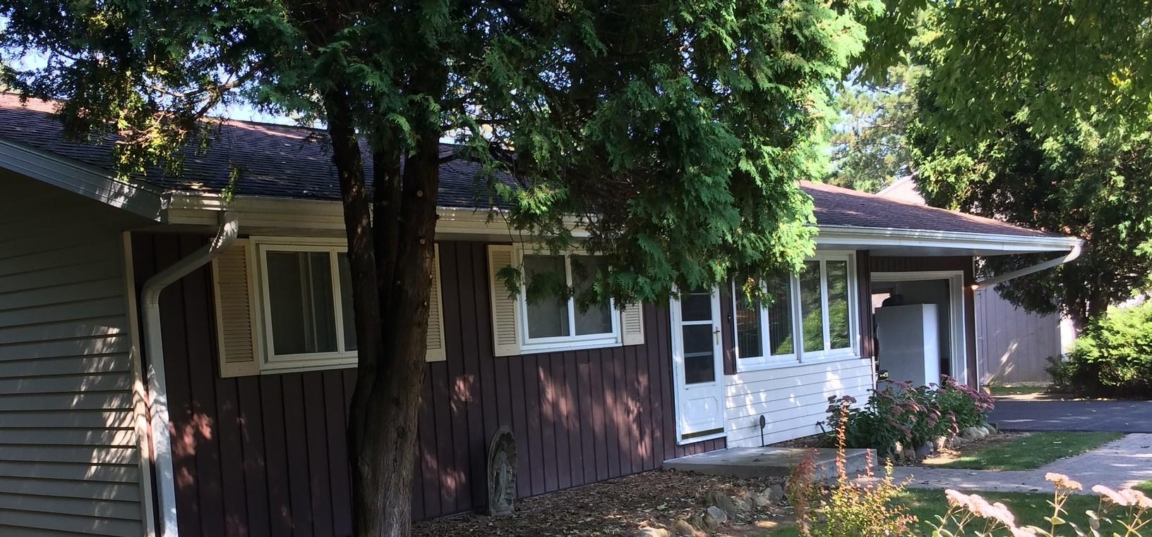 LeafGuard Gutters Installed on a Ranch in Sheboygan, WI - Before Photo