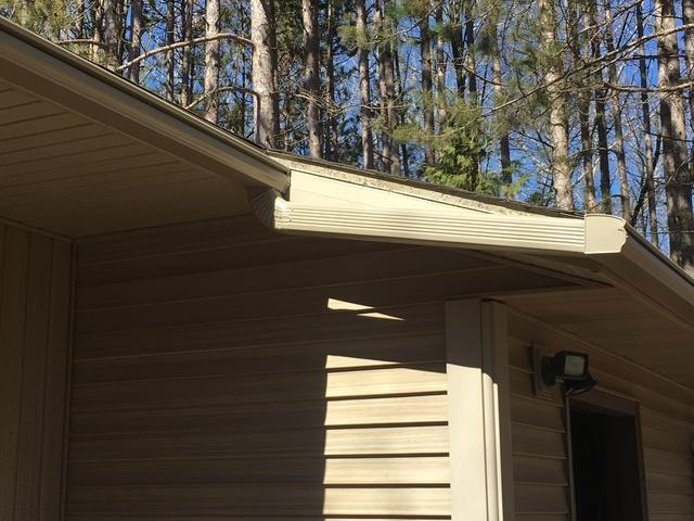 LeafGuard Gutters installed in Little Suamico, WI