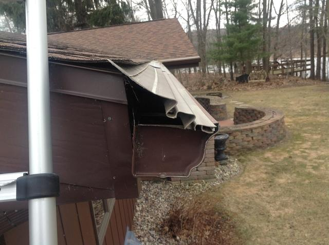 Replacing Failed Gutter Covers with LeafGuard in Manawa