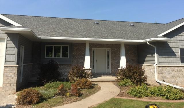 Home in Hortonville, WI Chooses LeafGuard