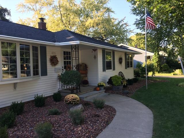 Oshkosh, WI Homeowner chooses LeafGuard Gutters