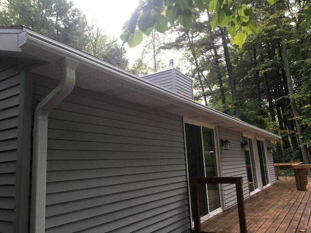 Appleton Homeowner chooses LeafGuard Clog Free Gutters