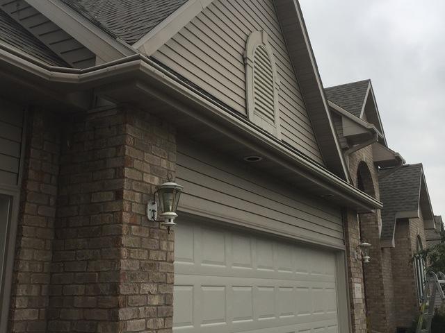 Homeowner in Winneconne, WI Chooses LeafGuard Gutters