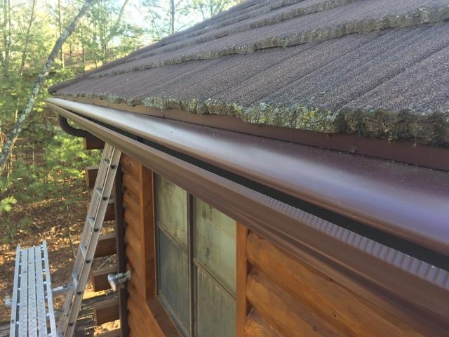 LeafGuard Gutters Installed on a Log Home in Wild Rose, WI