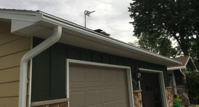 White LeafGuard Gutters Installed on a Ranch in Bellevue, WI