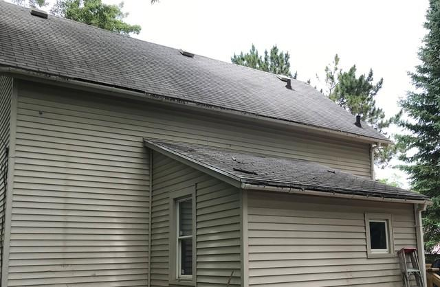 New GAF Roof and LeafGuard Gutters Installed on a Home in Green Lake, WI