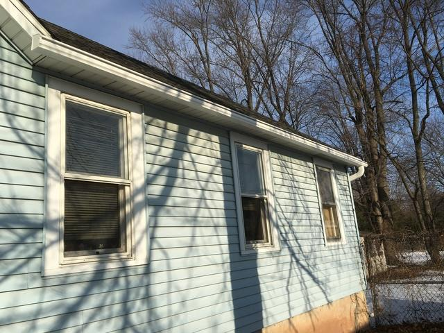 LeafGuard gutters installed on home in Menasha, Wisconsin