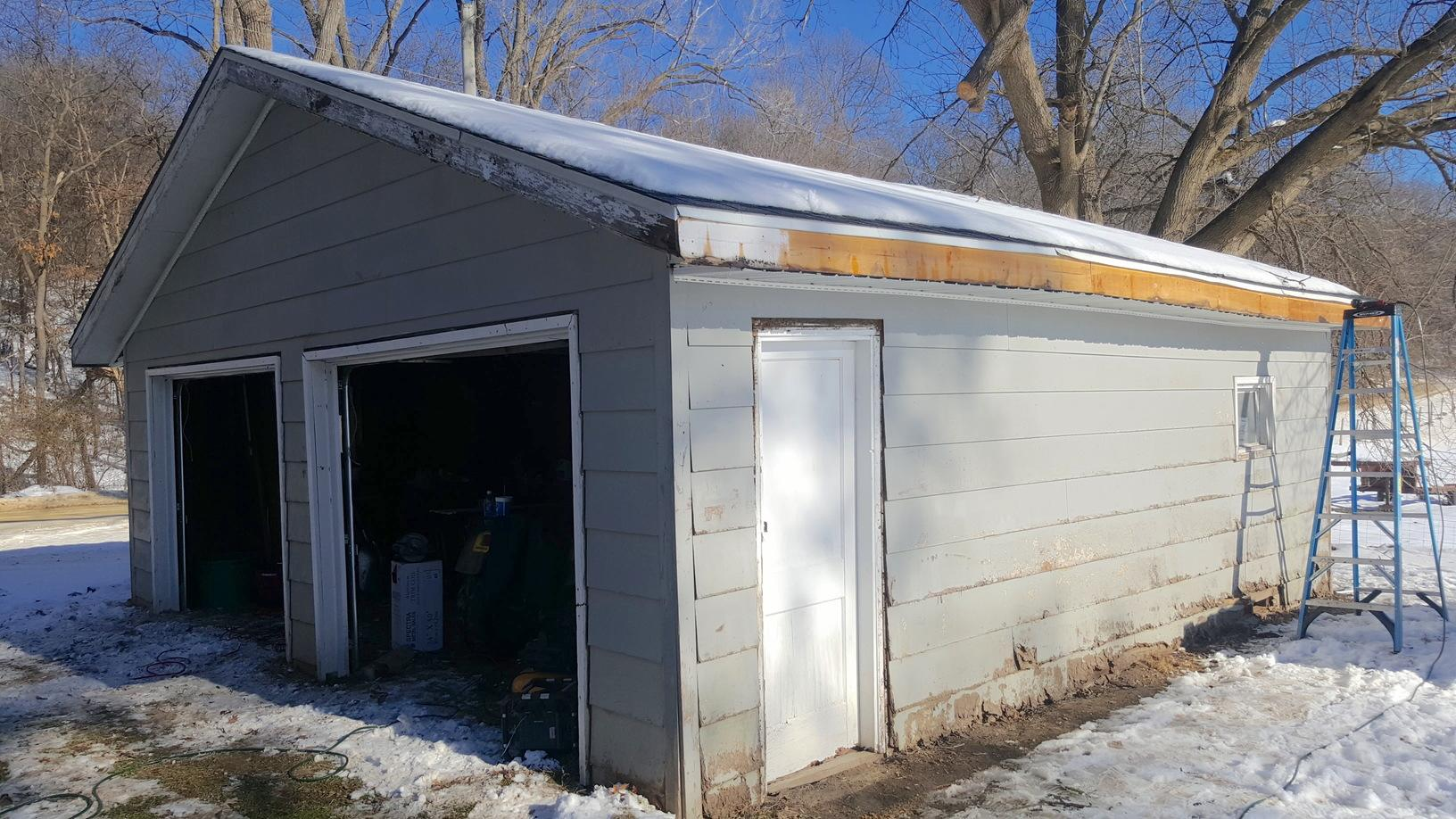 Vinyl Siding Installation and Roof Replacement in Oregon, IL - Before Photo