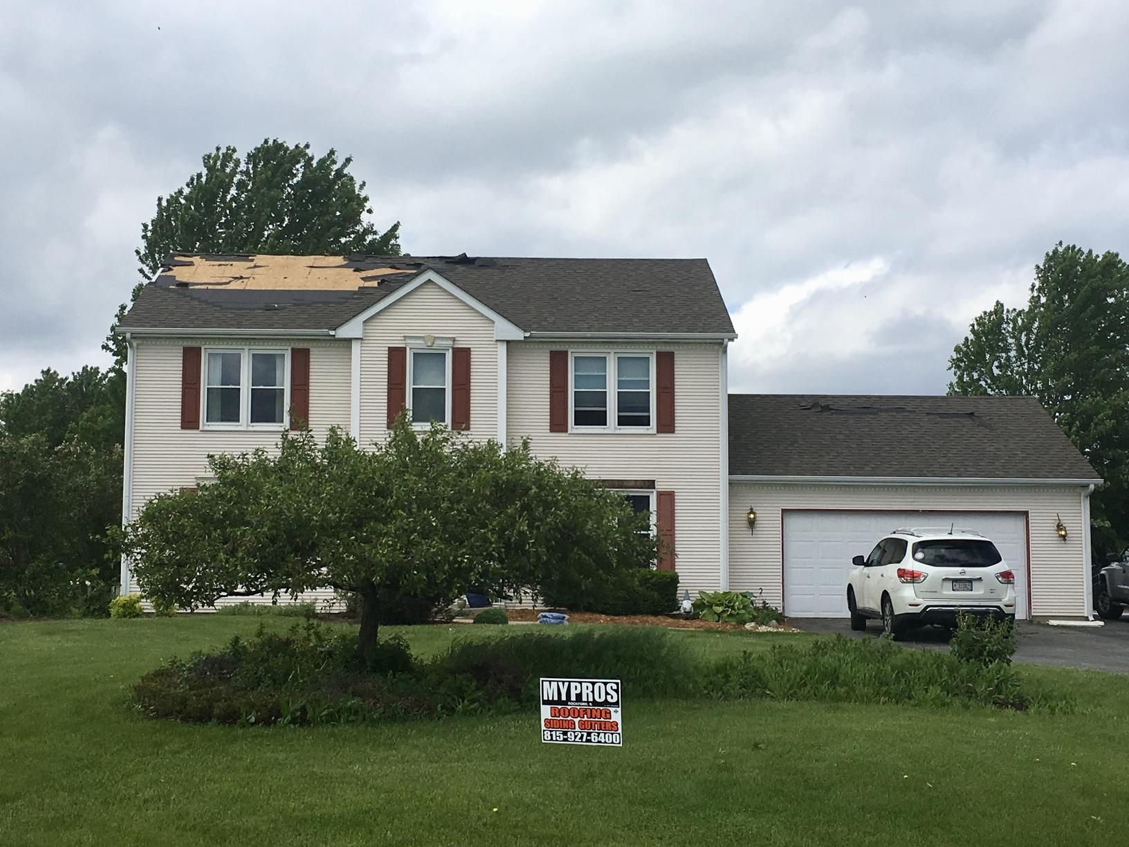 Roof Replacement After Wind Damage in Roscoe, IL - Before Photo