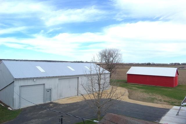 Barn Metal Roofing in Chana, IL