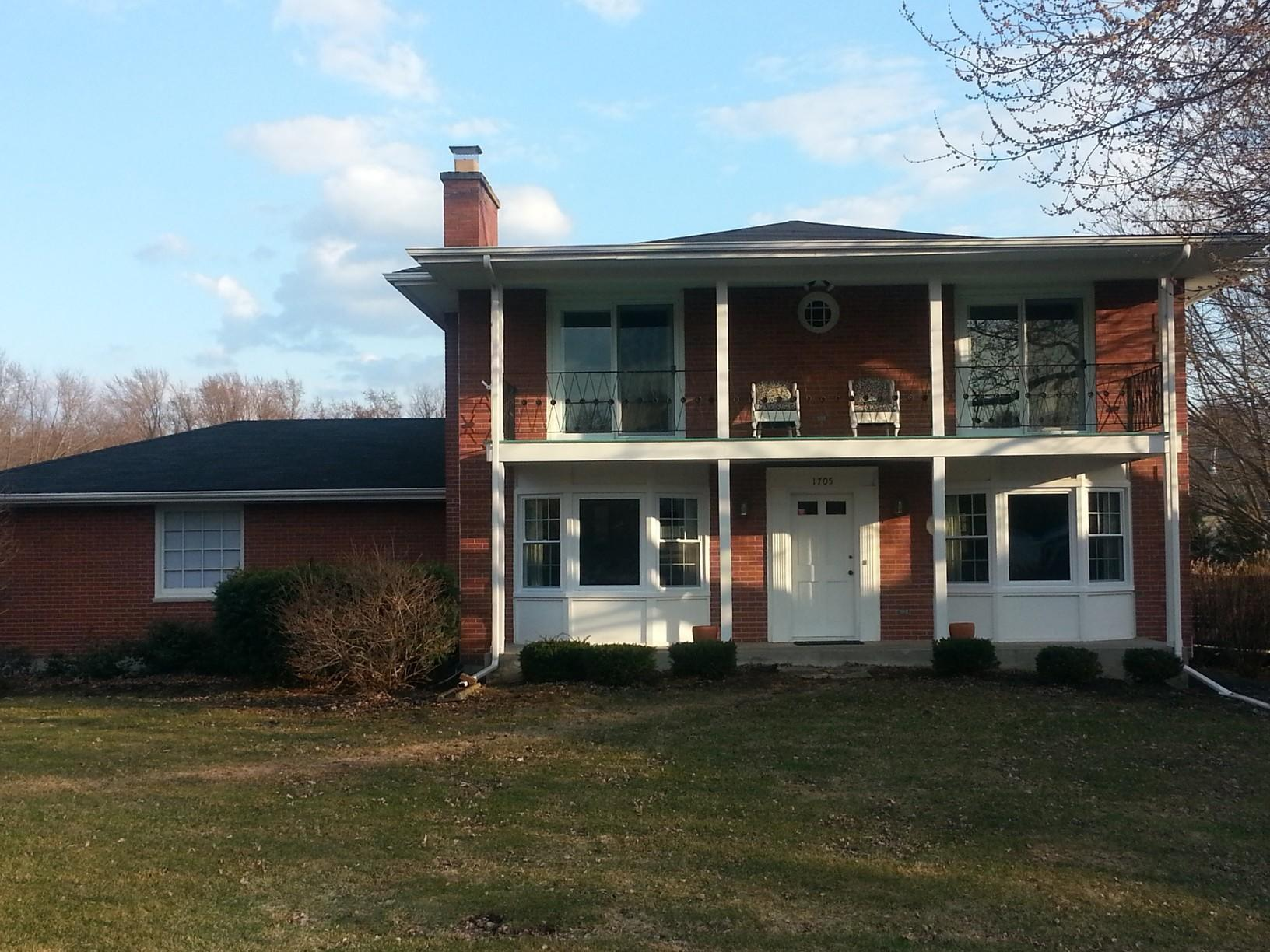 Roof Replacement in Hanover Park, Illinois - Before Photo