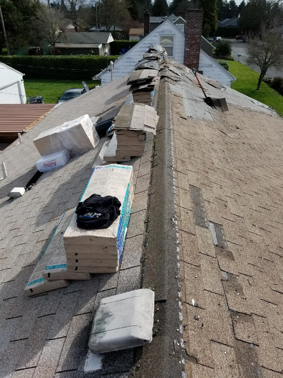 Vancouver, WA Shingle Roof Replacement Contractors - Before Photo