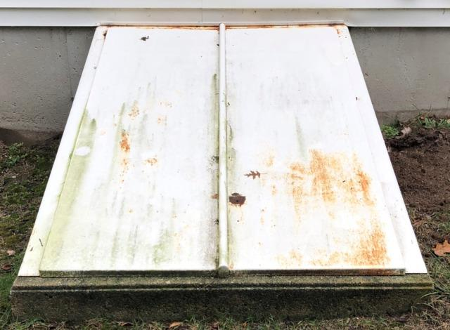 Windham, NH - Replacement Bulkhead with Custom Paint - Before Photo