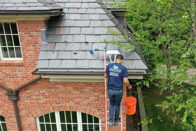 Gutter Cleaning | Old Greenwich, CT
