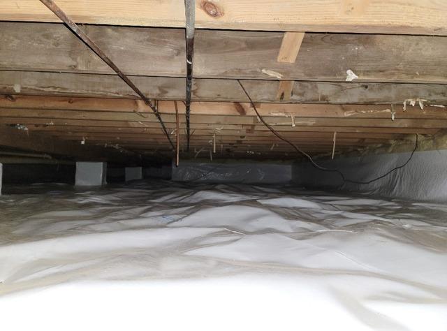 Crawl Space Vapor Barrier in Greentown, IN