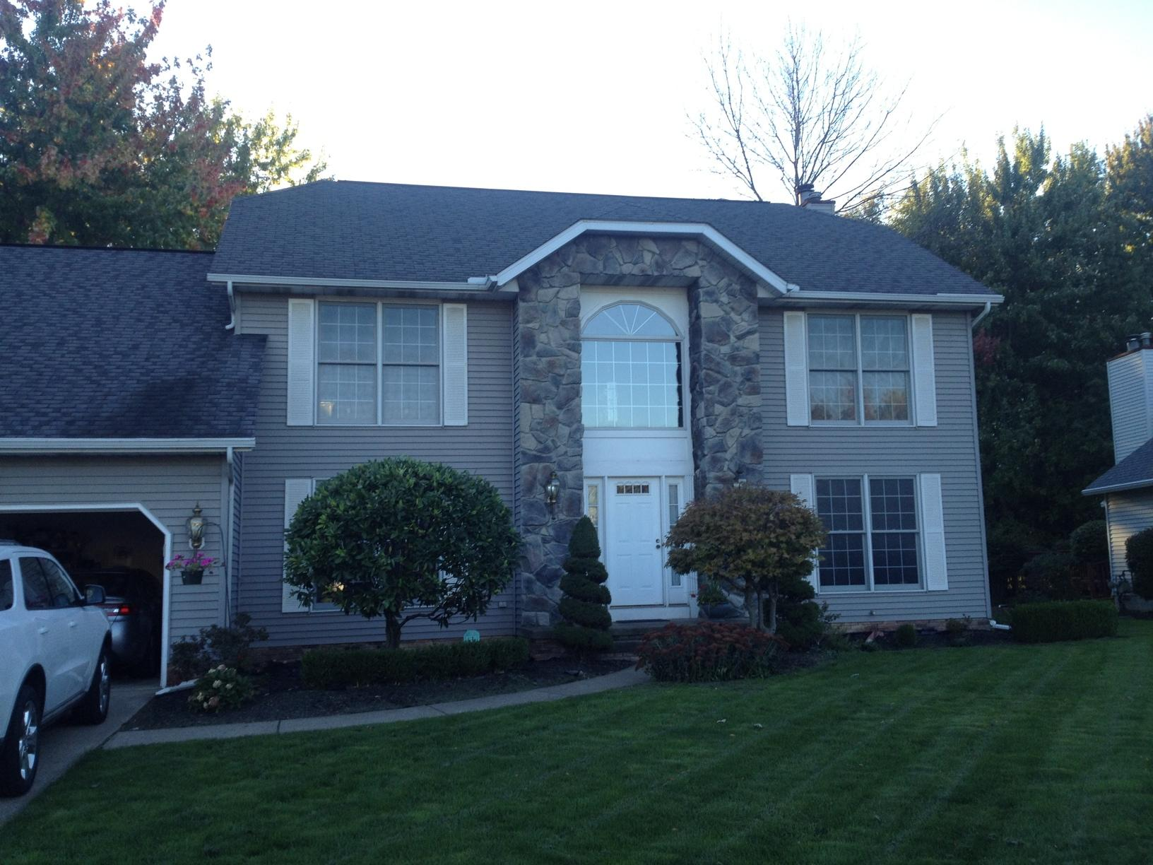 Roof & Gutter Replacement In Mentor - Before Photo