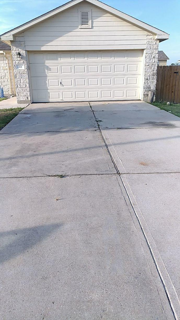 Driveway Repair in Hutto, Tx - Before Photo