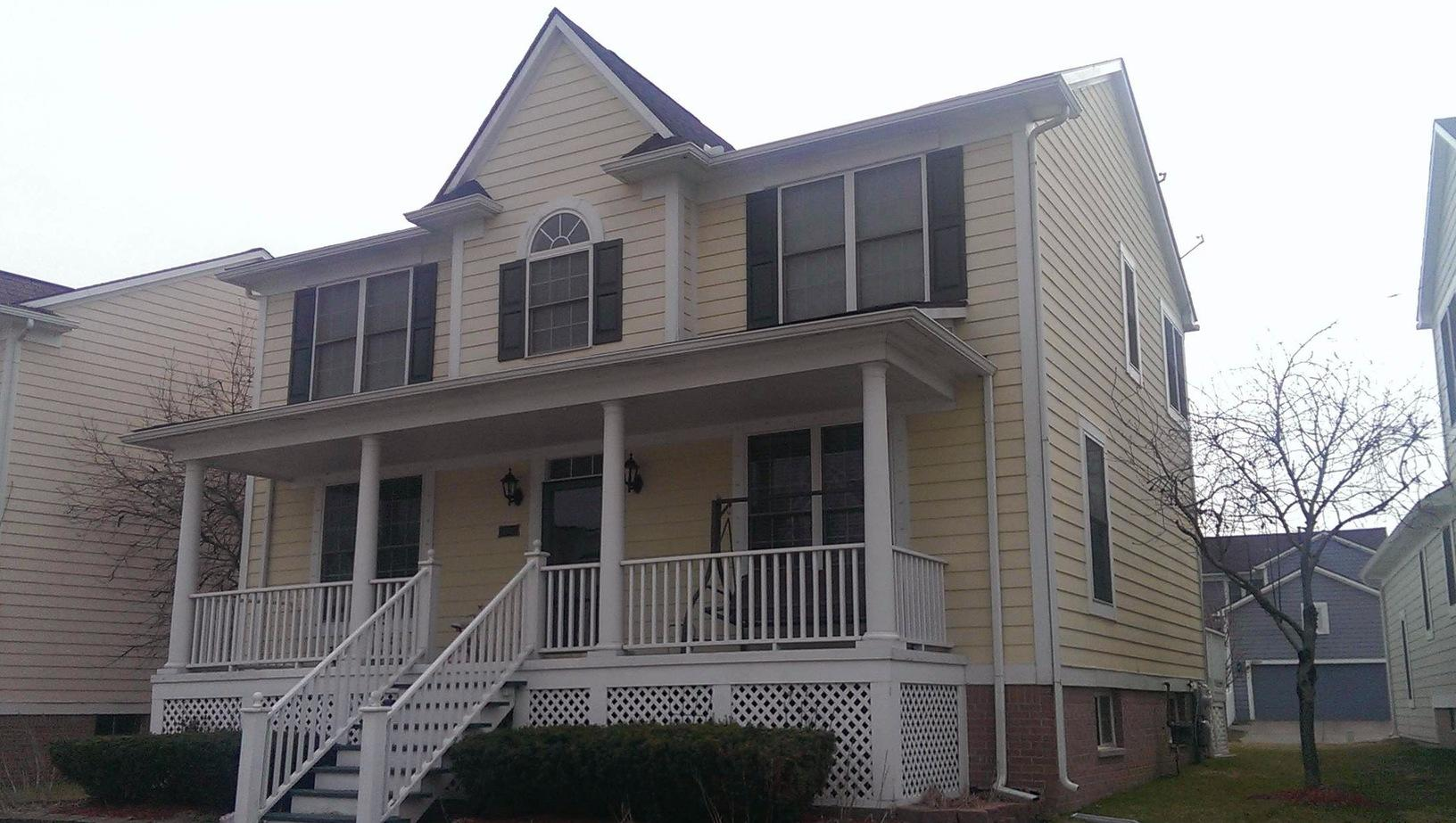 James Hardie Siding painted with Rhino Shield on home in Novi, MI - Before Photo