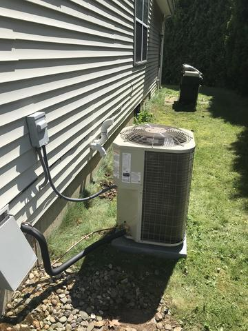 Gas Furnace and Central air conditioning replacement system in Arbor Ridge, Torrington CT