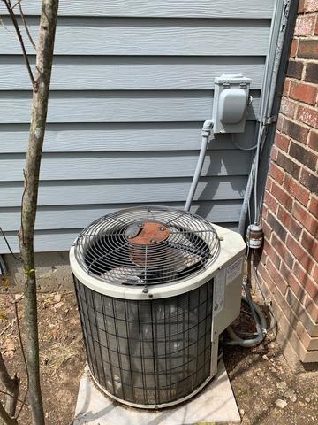 Heat pump install in Madison, CT
