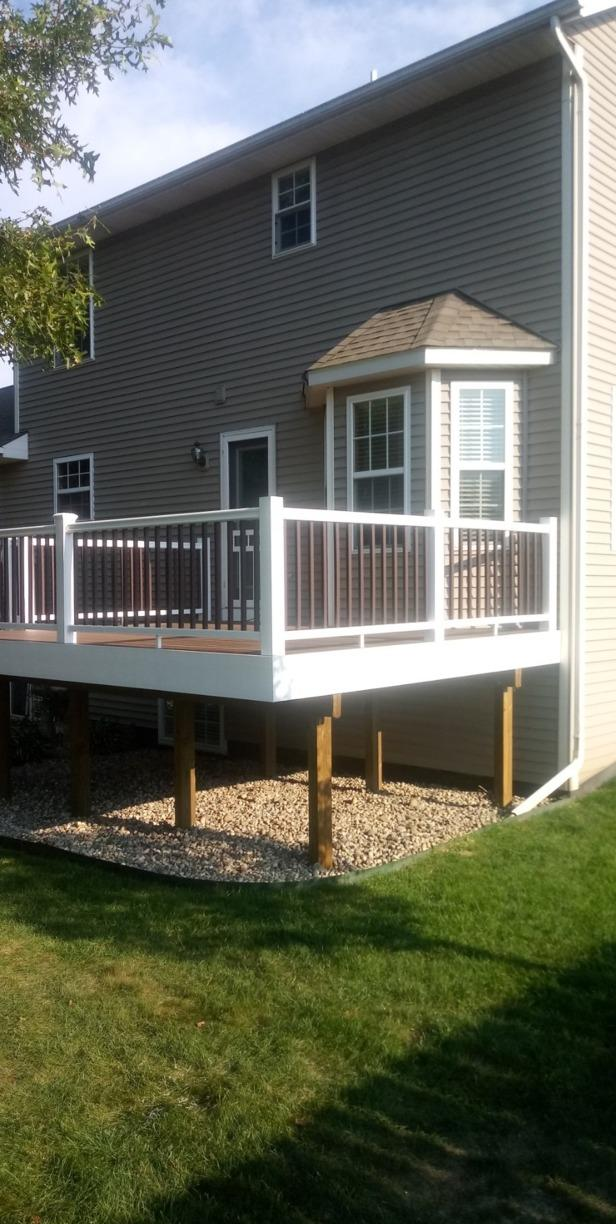 Duralife Deck with 2 Color Railing System Built in Scotts, MI - After Photo