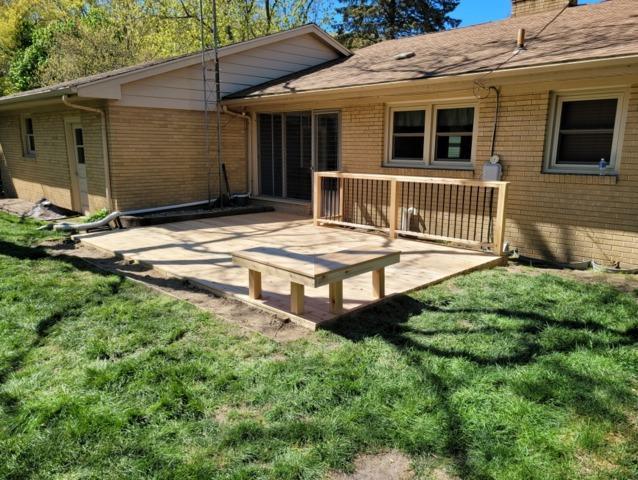 Cedar deck in St Joseph