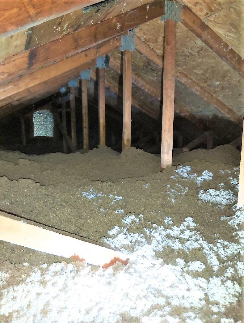 Fixing air leaks in an attic in Kirkland, Qc - After Photo