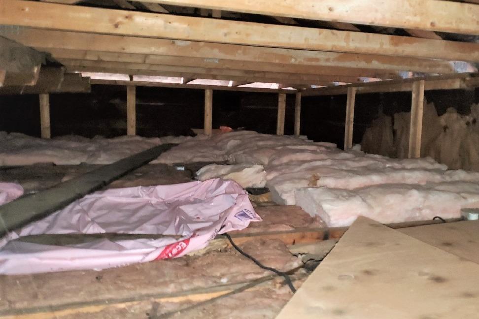 Attic insulation in Ste-Anne-De-Bellevue, Qc - Before Photo
