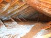Condensation dans le grenier d'une maison à Dorval, Qc