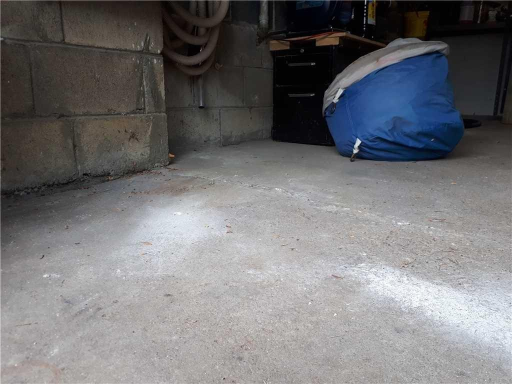 ettling Garage Floor Cracks in Mississauga, Ontario - After Photo