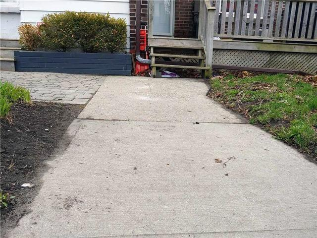Poor Soil Causes Walkway Slabs to Shift in Toronto, Ontario