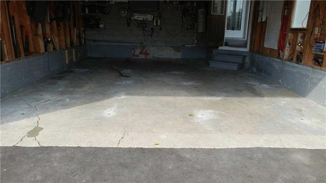 Void Causes Garage Floor to Crack in Innisfil, Ontario