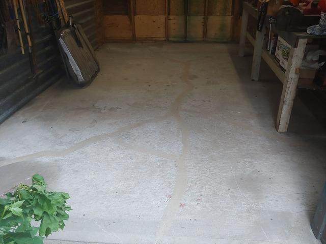 Garage Floor Cracks and Sinks in Toronto, Ontario