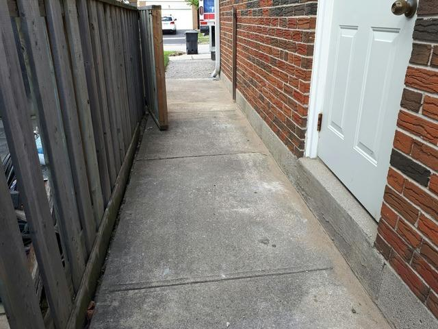 Walkway Repair Leads to a Successful Driveway in Etobicoke, Ontario