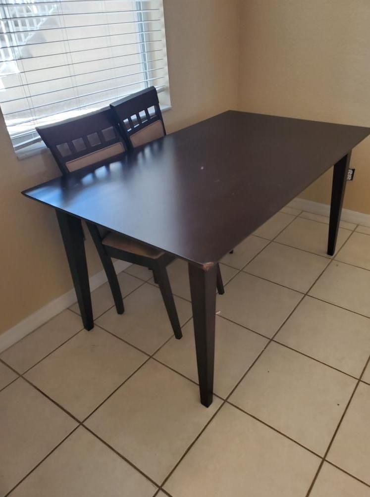 Table Removal in Bradenton, FL - Before Photo
