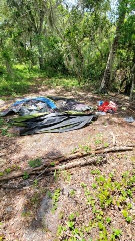 Woods clean up Sarasota, FL