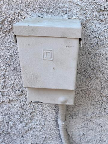 Disconnect box replacement in Perris, CA