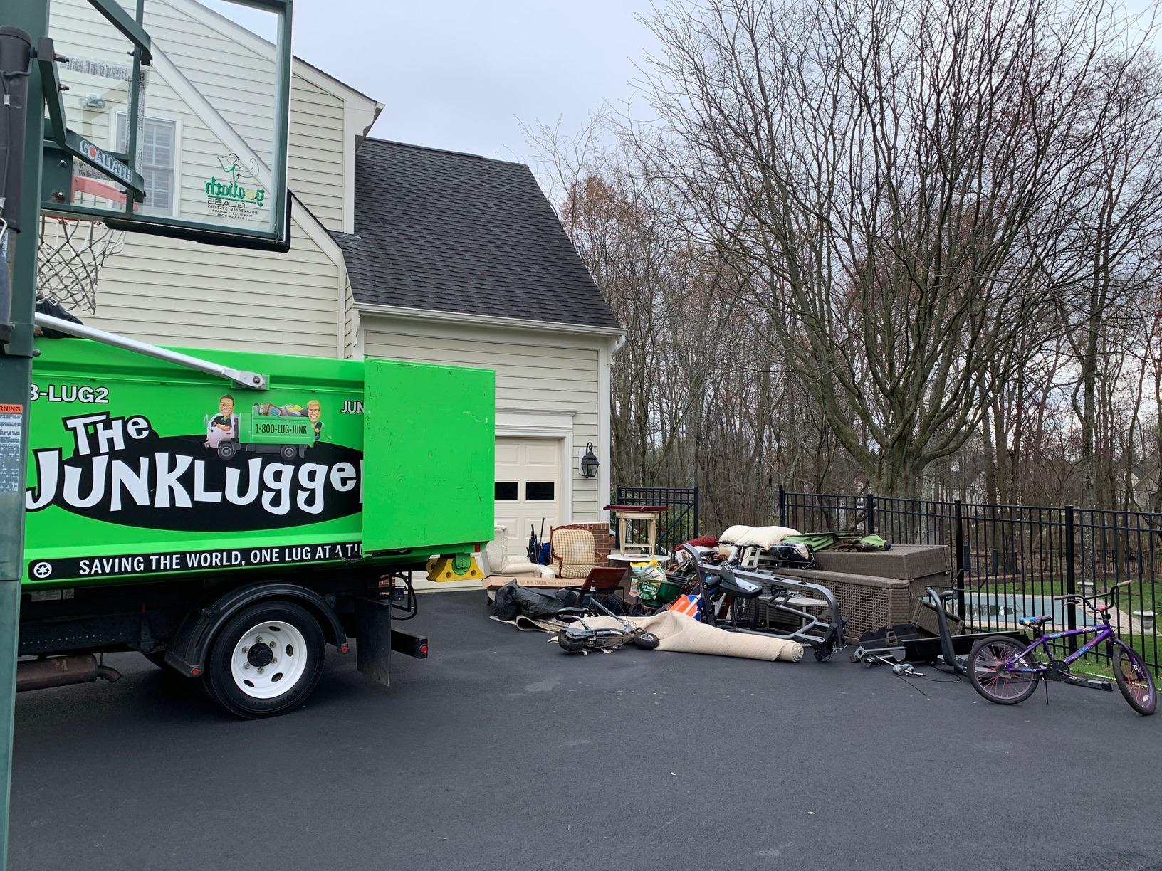 Curbside Pickup in Haymarket, VA - Before Photo
