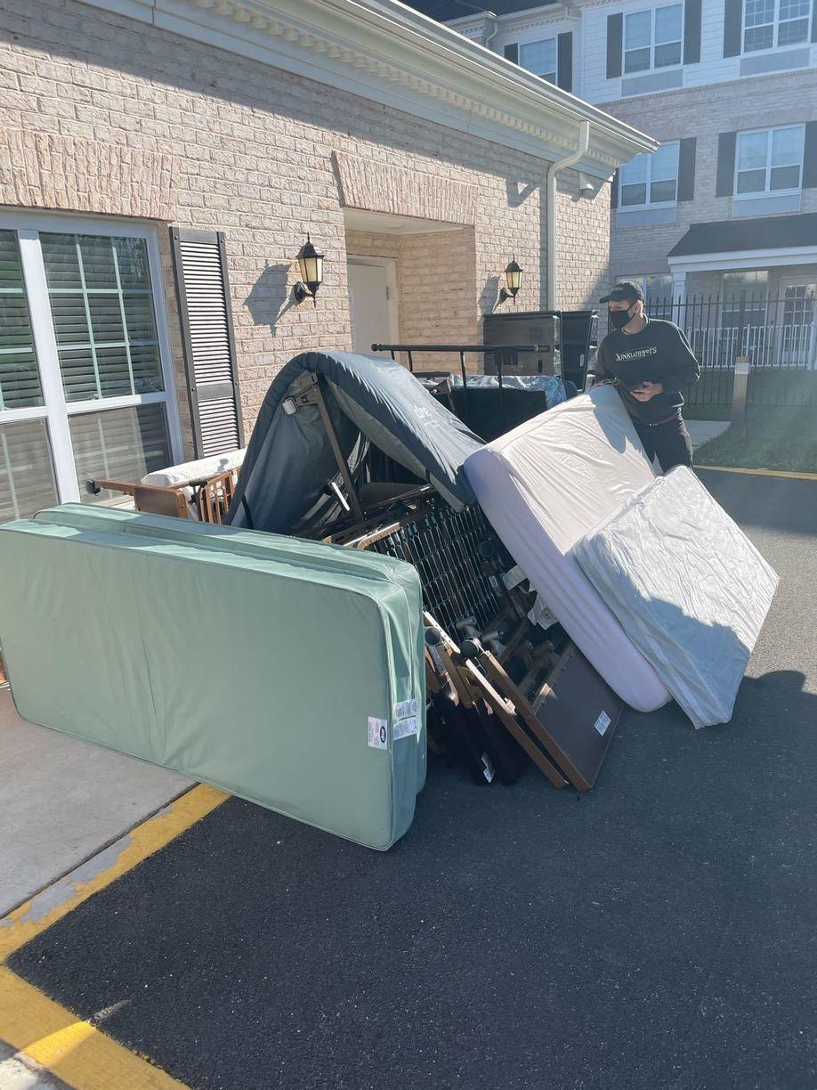 Retirement home curbside removal in Gainesville, VA - Before Photo