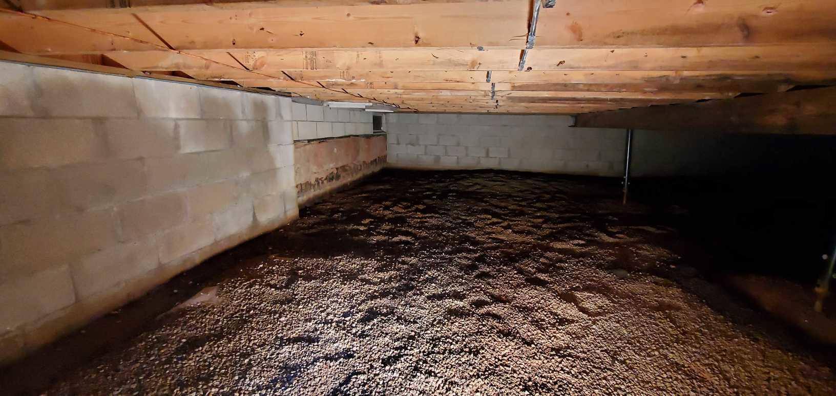 Crawl Space Encapsulation in Thornville, OH - Before Photo