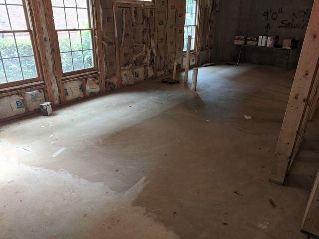Basement cleanout in Milton, GA
